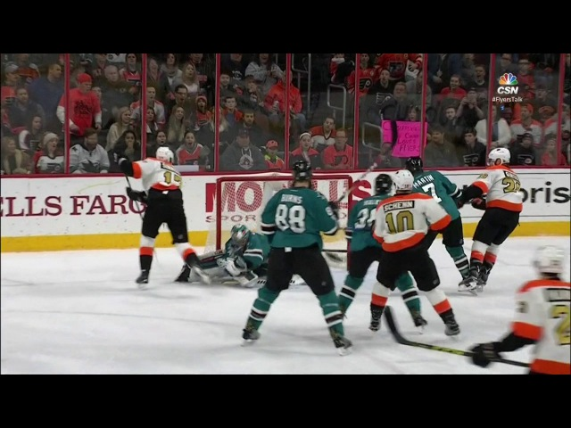 Simmonds cuts to middle, gets robbed by glove of Dell