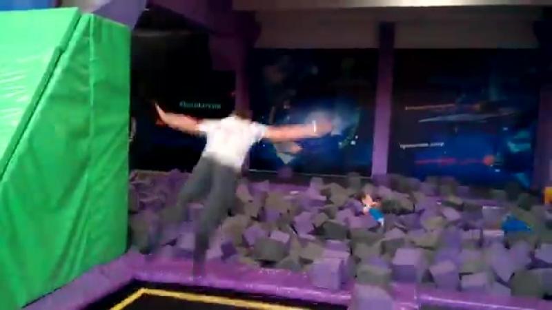 Прыжок в кубики (планета Панорама)