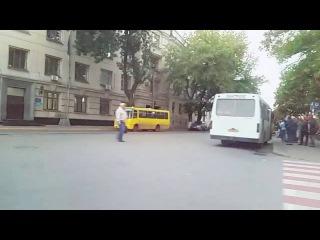 Как качает музыка в БМВ М3 Е46 на Подоле  в Киеве