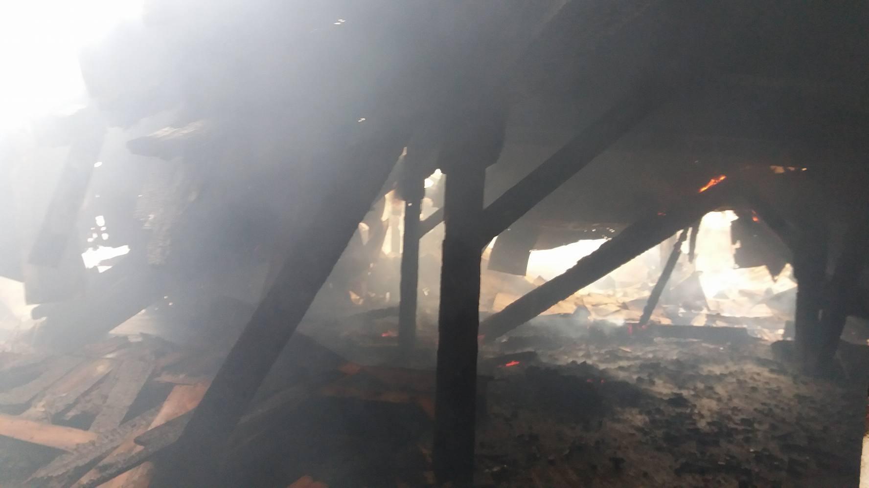 Пожежа на пивзаводі: транспорт вже пускають, проте затори —  величезні (ФОТО)