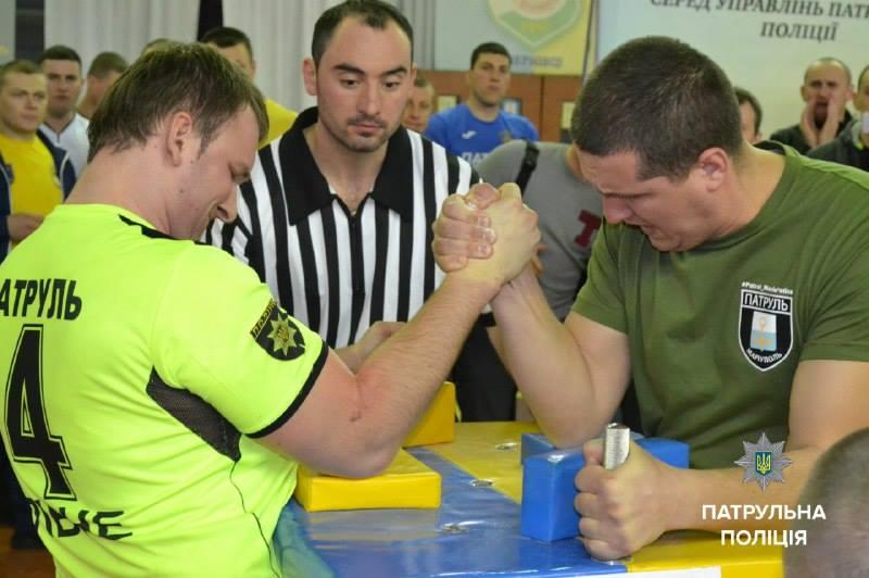 Переможці першого Всеукраїнського турніру з армспорту серед патрульних (ФОТО)