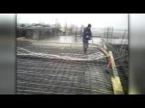 Во время строительных работ, рухнула бетонная конструкция в поселке Шалкар Алма...
