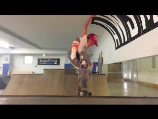 8-летняя японская скейтбордистка, выступающая на профессиональных соревнованиях