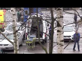 Пострадавших при взрывах в петербургском метро доставляют в НИИ им. Джанелидзе