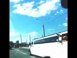 Прокат лимузина xammer h2