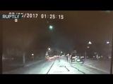 Метеорит озарил зелёным светом небо над американским городом