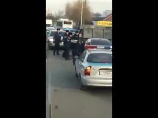 В Алматы полицейские устроили погоню за неадекватным водителем BMW
