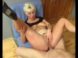 Порно мама кончает от анала