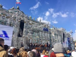 Михаил Боярский поёт песню из «Мушкетёров». Прямая трансляция