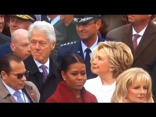 Билл Клинтон облизывается на жену Трампа. Ох и попадет ему от Хилари.. Ведь известно о ее рукоприкладстве.