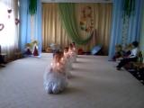 Танец со свечами на 8 марта. Подг. логоп. группа.