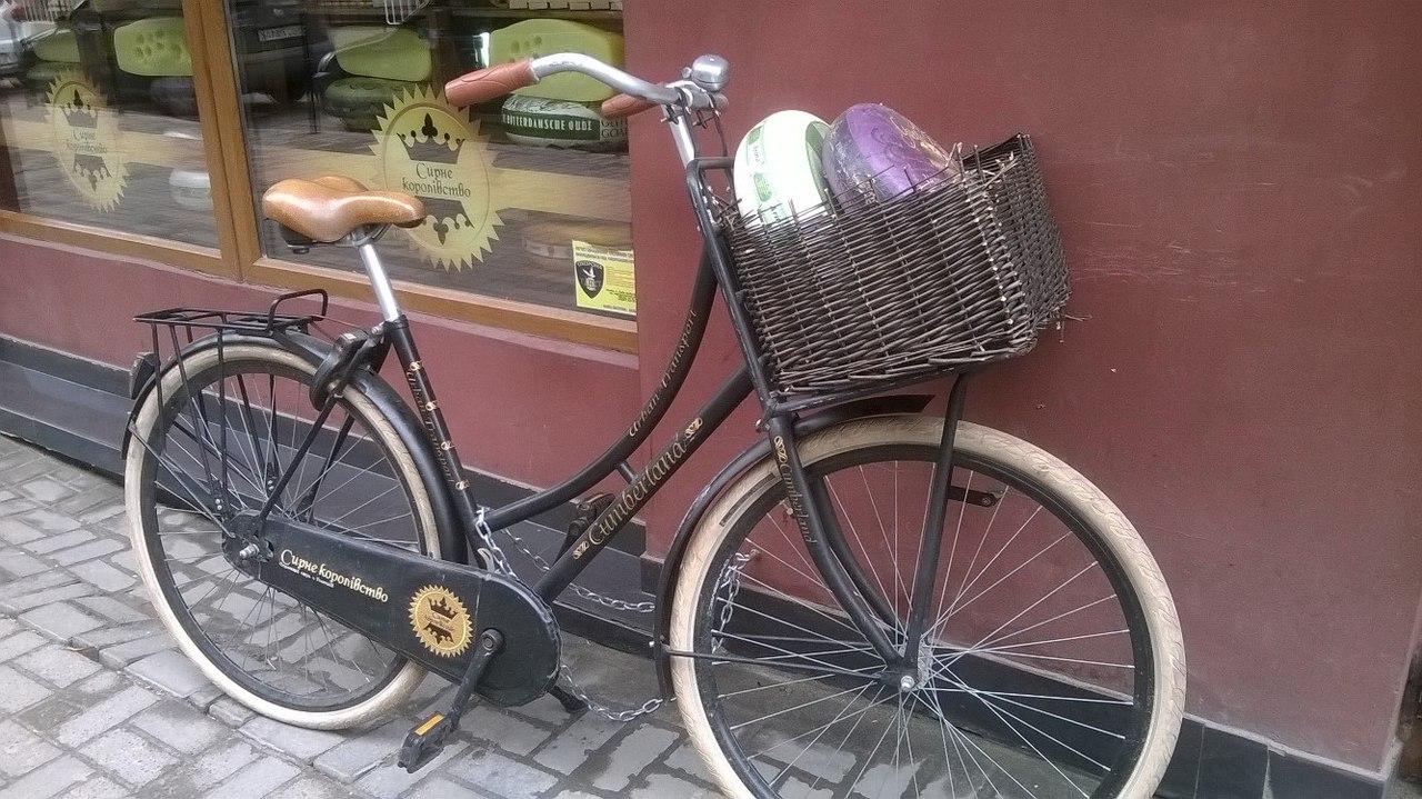 СЫРНОЕ КОРОЛЕВСТВО во Львове.  Ретро велосипед развозит сыр. Часть 1.