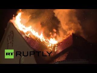 Германия: Восьми-этажное здание загорелось в Берлин Сосиска Проспект.