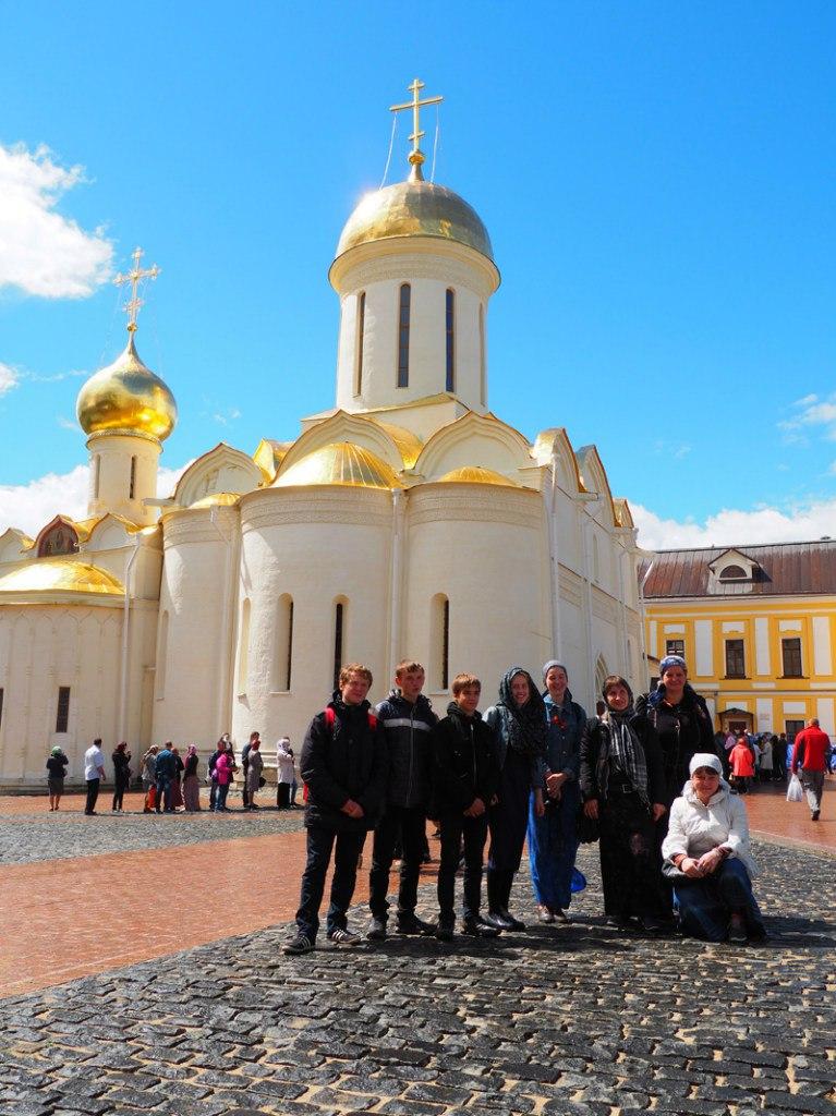 Паломническая поездка молодежного актива храма в Свято-Троицкую Сергиеву Лавру