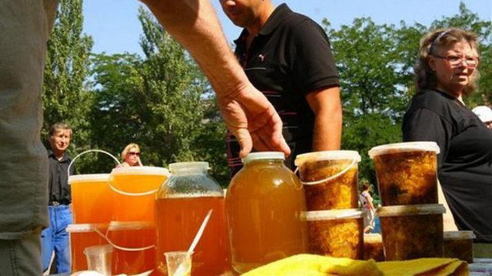 В одном из районов Ростовской области прошел рейд по пресечению нелегальной торговли продуктами питания