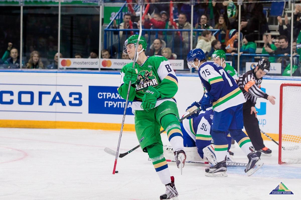 Максим Шалунов приводит команду к победе