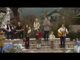 Angelo Kelly Family - Angels We Have Heard On High (ZDF-Fernsehgarten on tour 18.12. 2016)