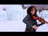 Девушка во льдах очень красиво играет на скрипке под дабстеп 720