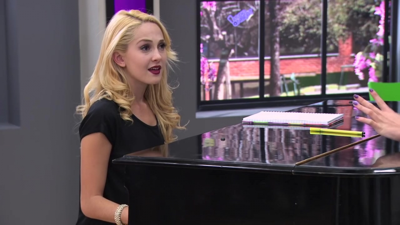 Violetta Ludmila y Vilu cantan ¨Si Es Por Amor¨ Ep 78 Temp 2