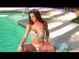 эротический стриптиз около басейна / лесбиянки девочки девушки женщины малолетки школьницы модели голые порно секс вирт