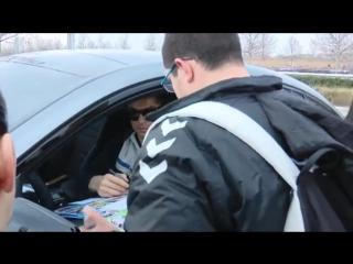 Криштиану раздал автографы фанатам (01.02.2017)
