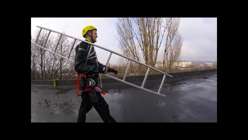 Подъем на опору с применением предустановленной анкерной линии по приставной инвентарной лестнице