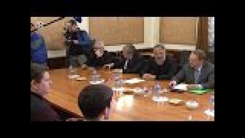 Russian Presidents Representative Welcoms Russian Sailors Freed In Libya
