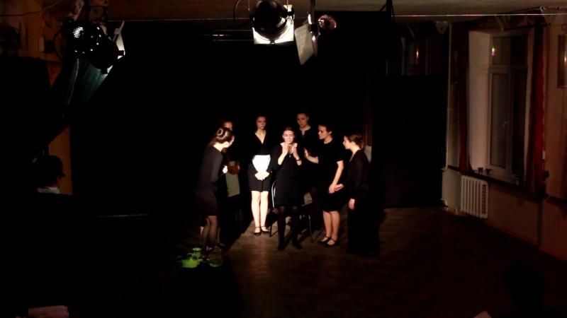 8 любящих женщин режиссер - Русанова А.В. исполнители: Симонова,Нехай,Тарская,Ретюнская,Шляхова,Чемезова,Сафронова,Егорова.