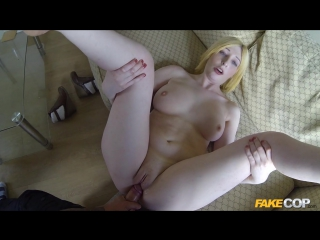 Jessica (slut gets fucked by cop in her flat)