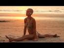 Индия, Гоа . Девушка. Пляж - Анджуна. Йога. HD