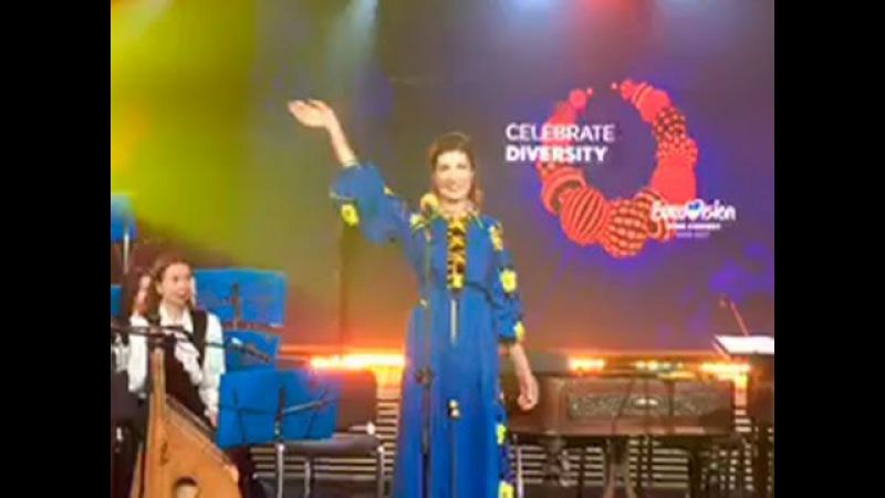 Пьяная жена Порошенко на открытии Евровидения - 2017