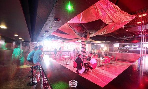 Боулинг в клубе НЛО всего от 8 руб/час