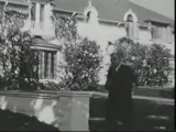 Hollywood  (1962) Thomas Mitchell , Jayne Mansfield at home