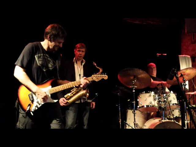 Kirk Covington, Adam Nitti, Gerald Gradwohl - Albuquerque Road (LIVE)