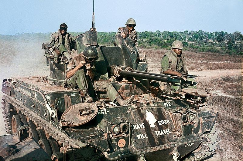 Фото военной техники с комментариями.