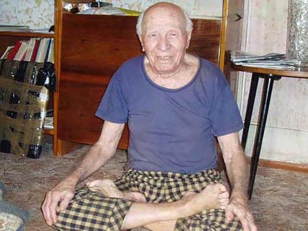 Самый пожилой йог России — Дмитрий Владимирович Куликов