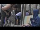 Бездомный наркоман vs бездомный отец семейства (социальный эксперимент) 😊