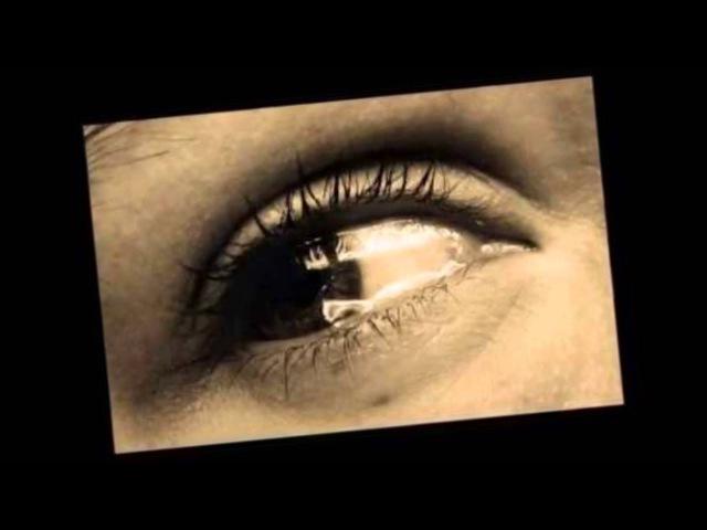 Dusza mnie boli a serce płacze śpiewa Adam Chrola
