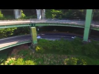 Необычный японский автомобильный мост с круговым движением