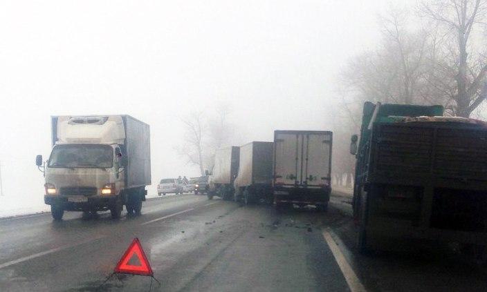 Таганрог: ДТП сучастием 5-ти машин случилось натрассе Ростов