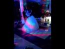 Перший танець-неповторна історія почуття Він та Вона зливаються душею і тілом,і починається політ на хвилях ніжності і спокуси.