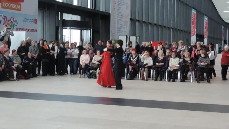 2017-04-14 17-47-34 Экпофорум 2017 Ю.Шутиков и Г.Афанасьева.