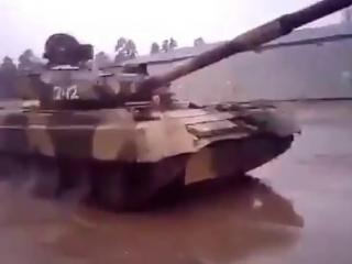 Дрифт на танке