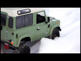 RC truck Land Rover Defender snow offroad