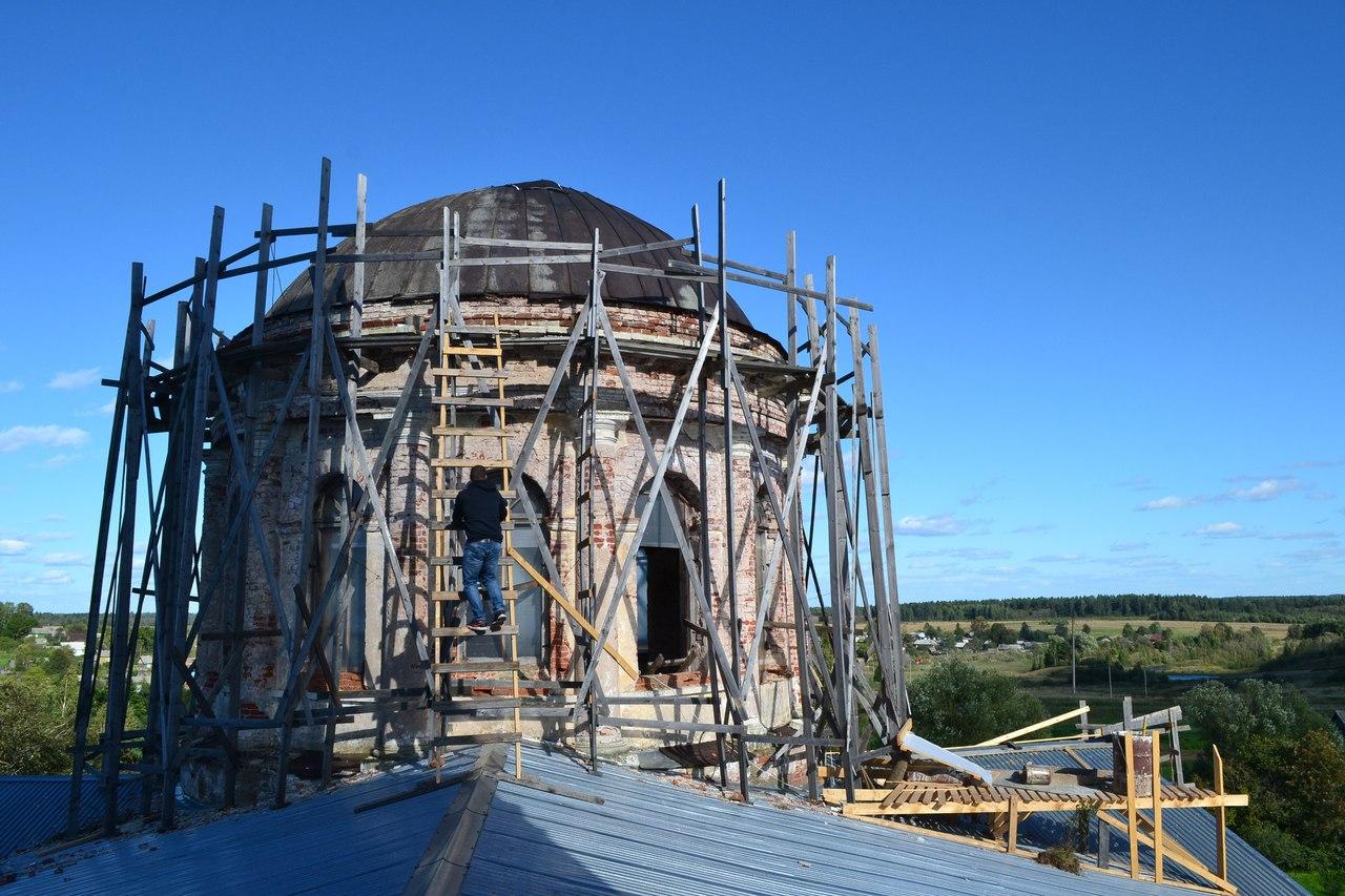 Восстановление главного купола храма Преображения Господня в с. Сукромля
