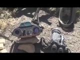 Хуситы показывают оружие захваченное у саудитов в провинции Наджран.