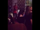 Владислав Рамм исполняет песню в ресторане #1