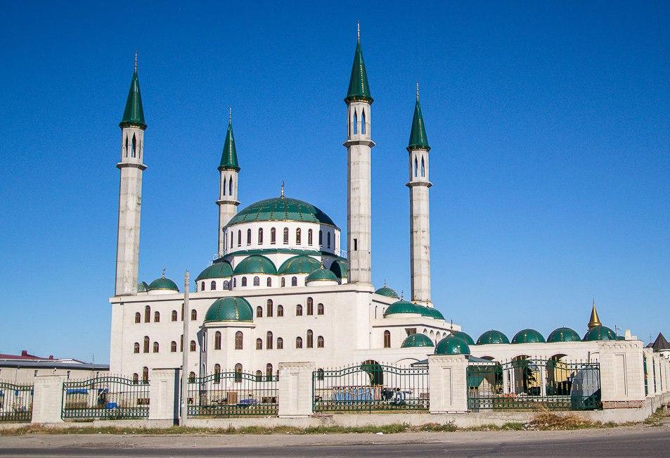 Рашид Темрезов поздравил всех мусульман республики с праздником Курбан Байрам
