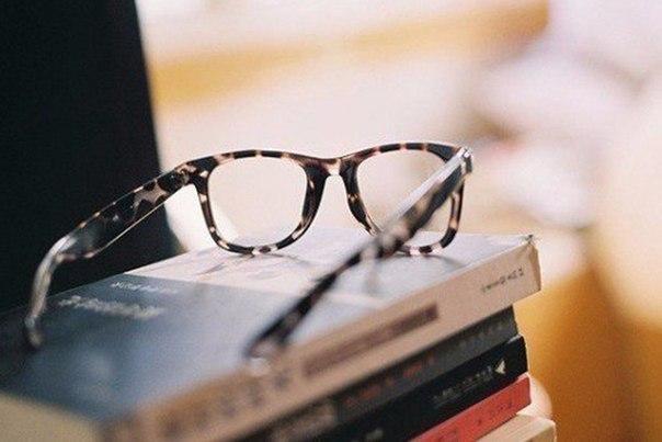 8 книг, которые откроют Вам глаза на многие вещи:1. 'Психология влия