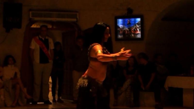 Turchia - danza del ventre a Cappadocia